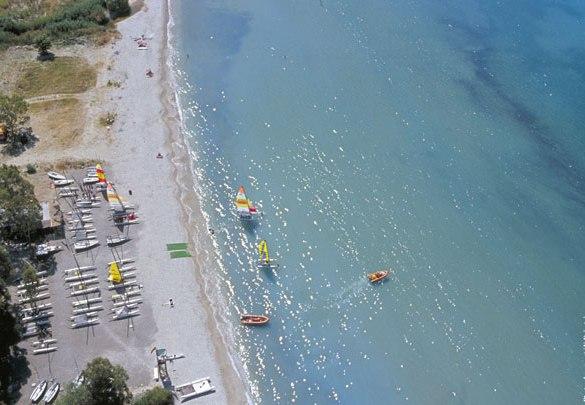Ponti Beach